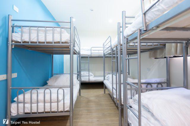 八人房床位